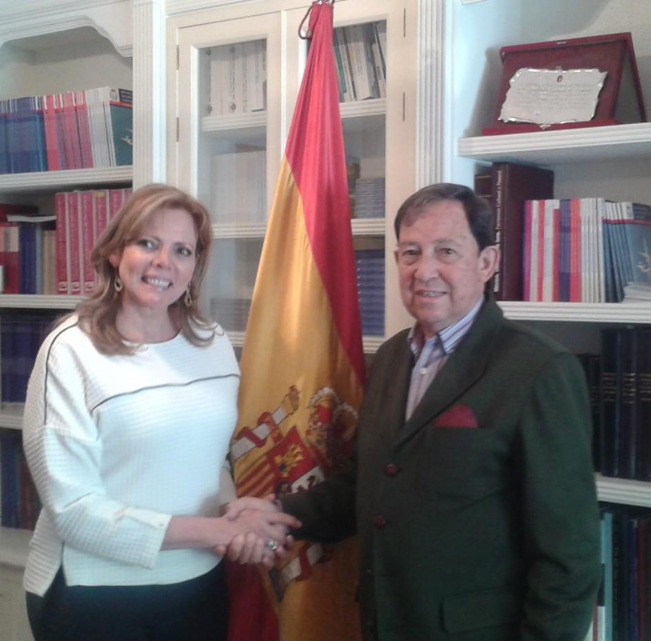 visita institucional de la presidenta de la escuela de rr.pp de colombia, a la aep.
