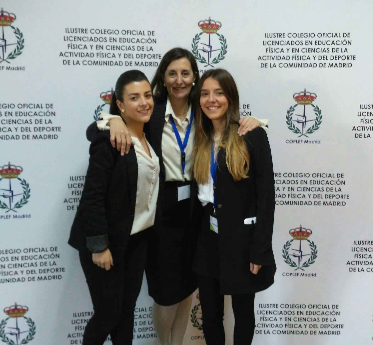 Ana Fernández ( representante de la EIP ), Mercedes Lobón ( socia de la AEP ) y Teresa Balmaseda ( representante de la UCJC )