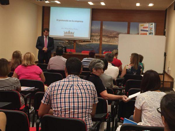 La Escuela Internacional de Protocolo imparte un curos en Arona (Tenerife)